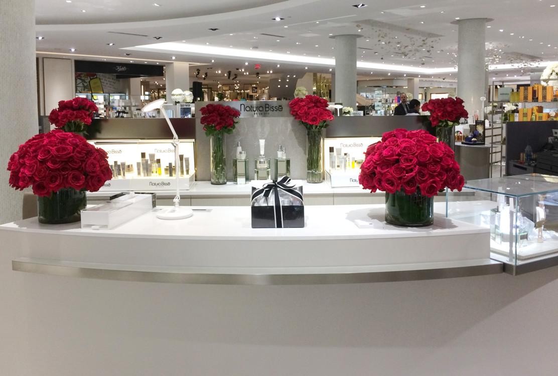 Бренд продается в фешенебельных бутиках, включая Saks 5-th Avenue