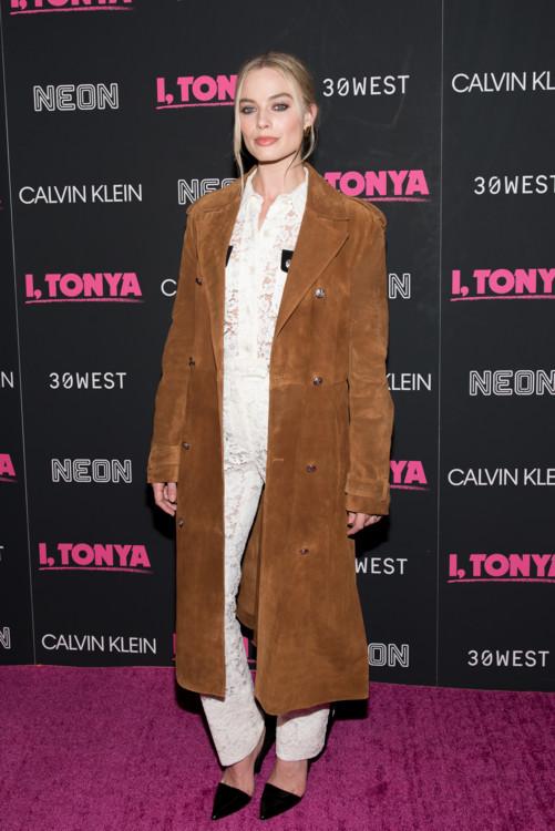 В Calvin Klein 205W39NYC