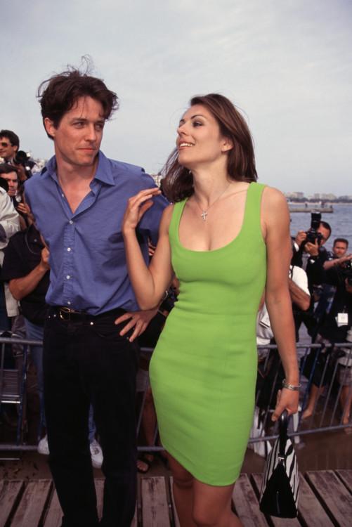 Хью Грант и Элизабет Херли в Каннах, 1996