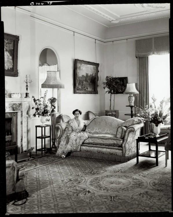 Принцеса Маргарет, 1954 рік, Кларенсгаус