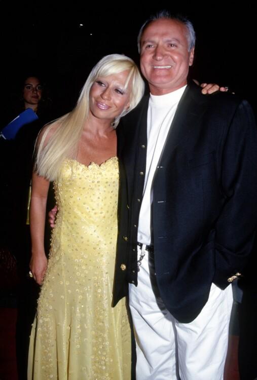 Донателла и Джанни Версаче на открытии Fashion Cafe в Нью-Йорке в 1995 году