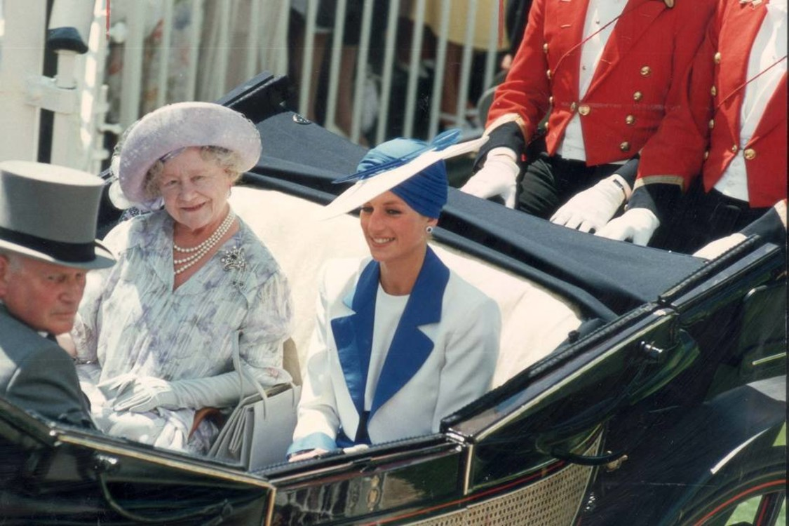 Єлизавета Боуз-Лайон і принцеса Діана, 1989 рік