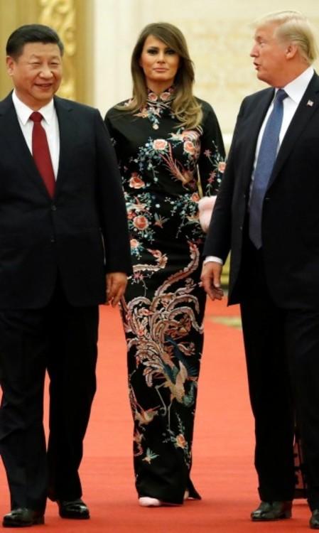 Мелания Трамп в платье Gucci
