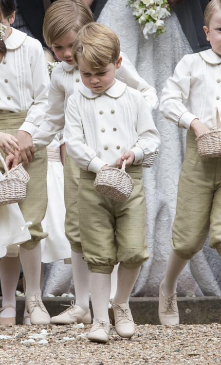 Принц Георг в ответственной роли свадебного пажа на венчании своей тети Пиппы Миддлтон
