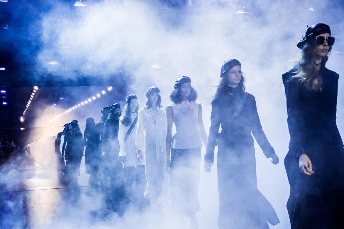 Финальный выход Christian Dior осень-зима 2017/2018