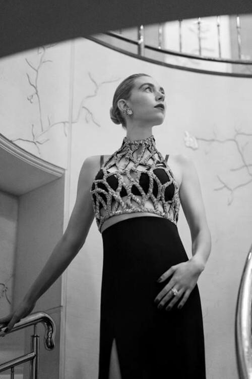 Ванесса Кирби в украшениях Cartier