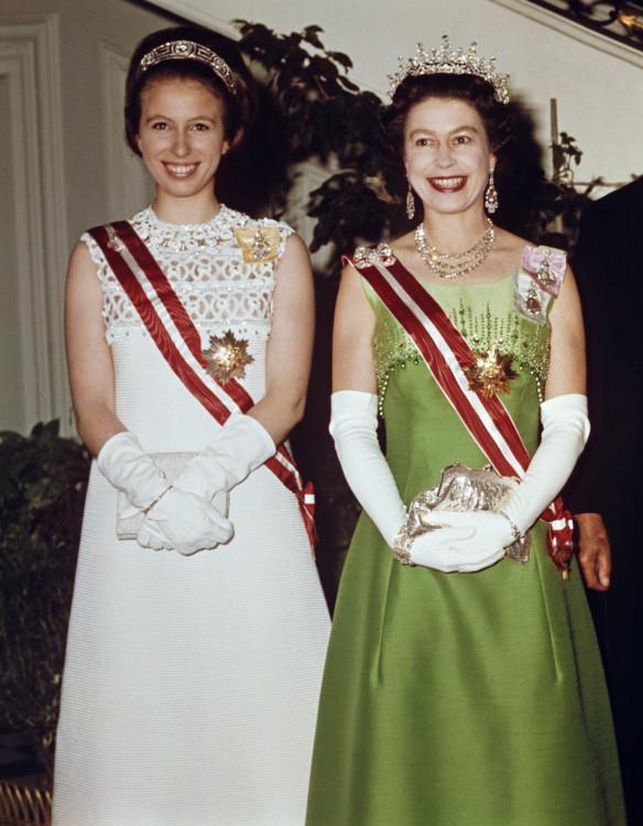 Єлизавета II з принцесою Анною під час державного візиту до Відня 1969 року