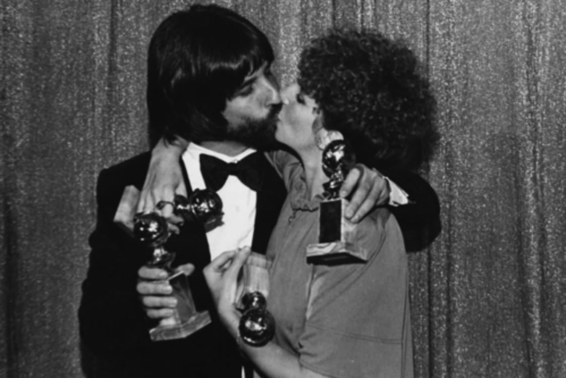 Барбара Стрейзанд и Джон Питерс, 1977