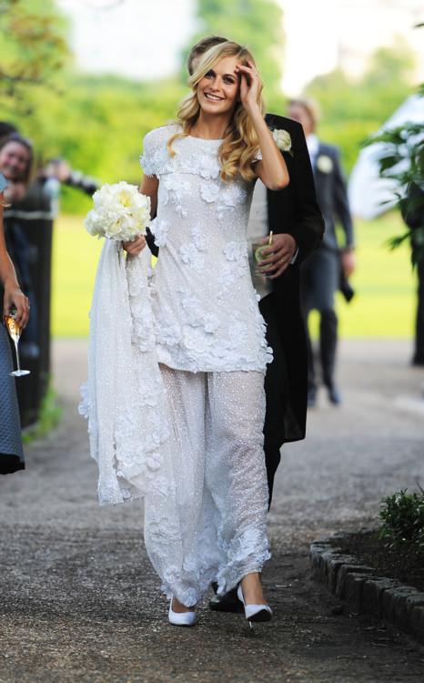 Поппи Делевинь в Chanel Couture