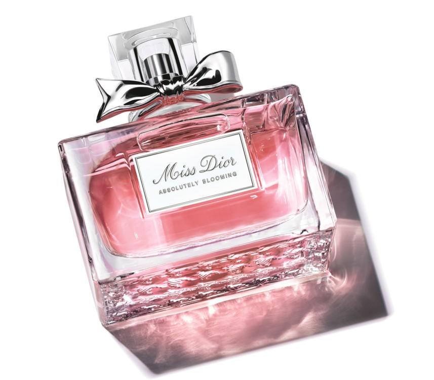 Miss Dior Absolutely Blooming, Dior с нотами пионов, роз, спелой малины, граната и черной смородины