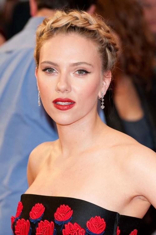 """Скарлетт Йоханссон на премьере """"Мстителей"""" в Лондоне 19 апреля 2012 года."""