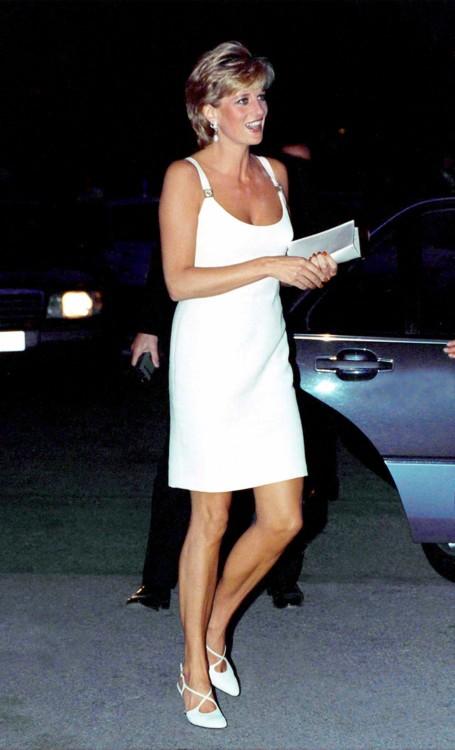Леди Диана на концерте в Италии в 1995 году
