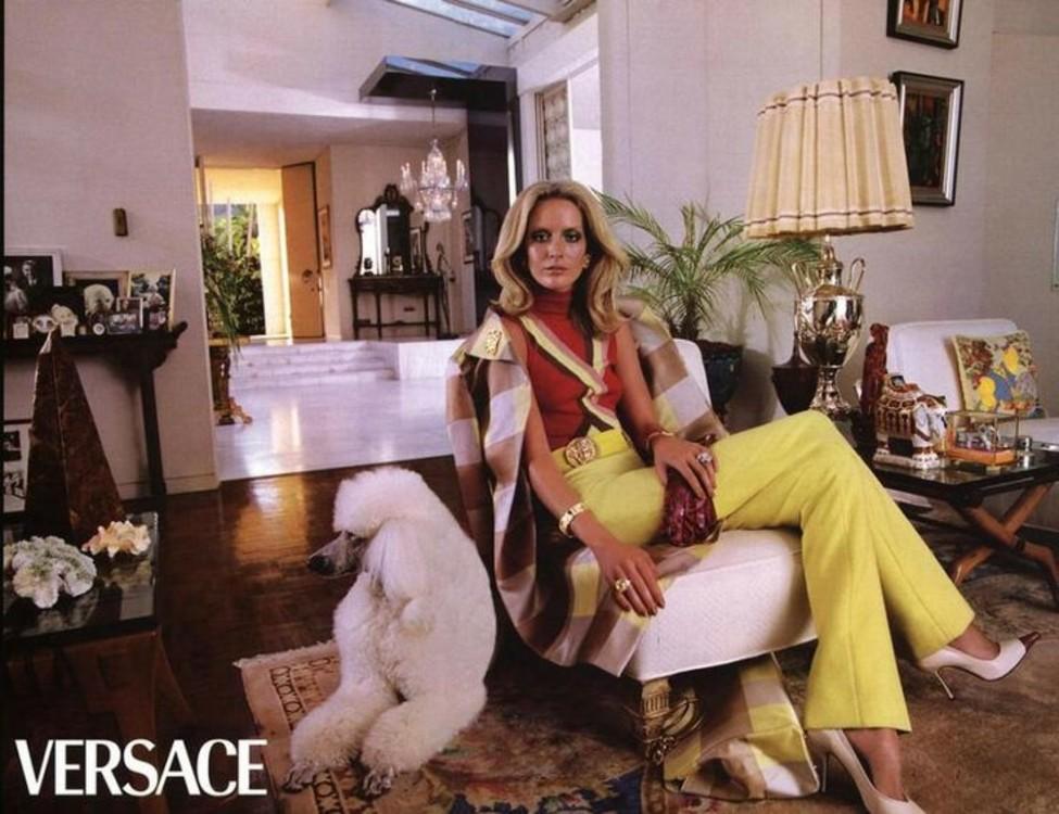 Рекламная кампания Versace