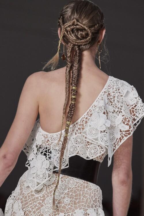 косы  косички модные прически для лета 2020 фото