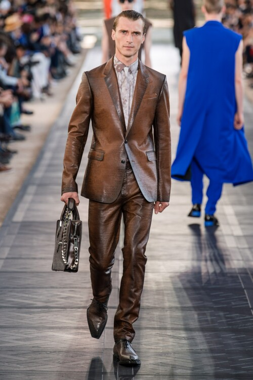 Принт tie-dye в мужских коллекциях весна-лето 2020 фото