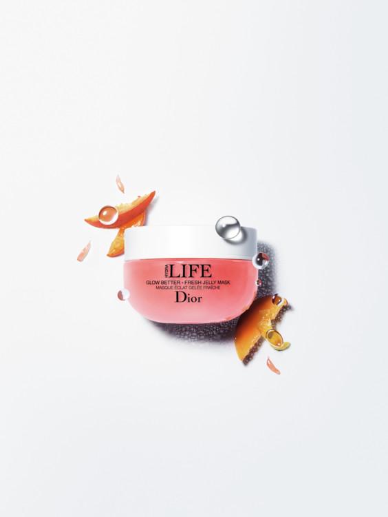 Освежающая маска-желе Glow Better Masque Éclat Gelée Fraîche, Dior подойдет для всех типов кожи, зарядит энергией, освежит и увлажнит