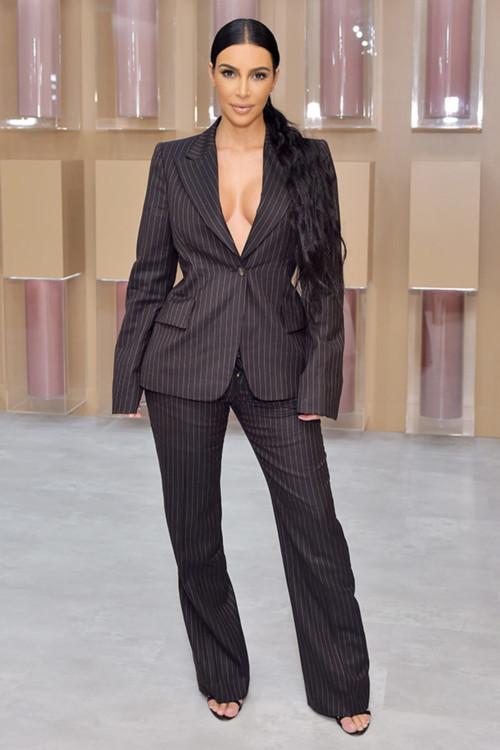 Ким Кардашьян на открытии поп-ап магазина KKW Beauty