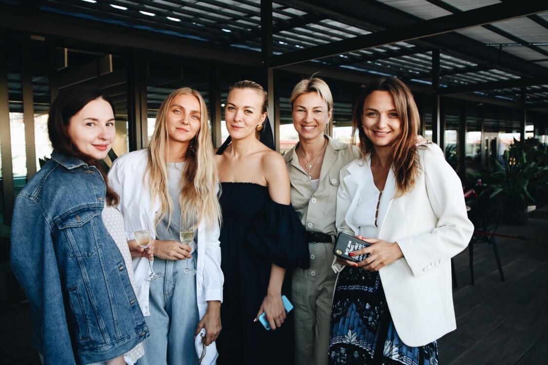 Виолетта Федорова, Ксения Шнайдер, Маруся Коваль, Яна Бучко и Алена Масюткина