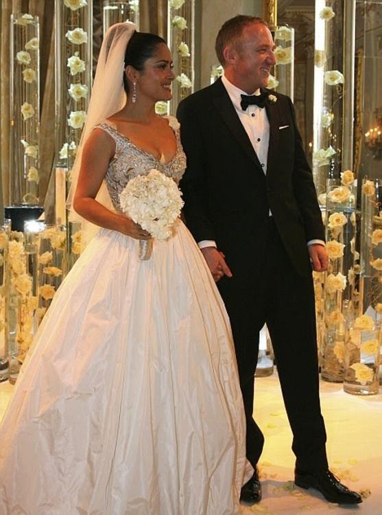 Сальма Хайек в платье от Balenciaga
