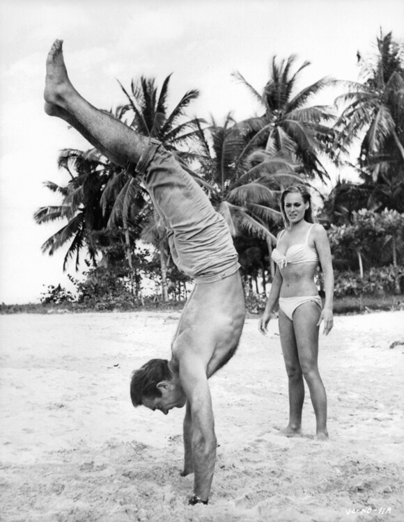 Шон Коннери и Урсула Андерс на съемках «Доктор Ноу»