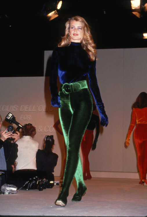 Клаудиа Шиффер во время показа Anne Klein & Co. осень-зима 1991/1992