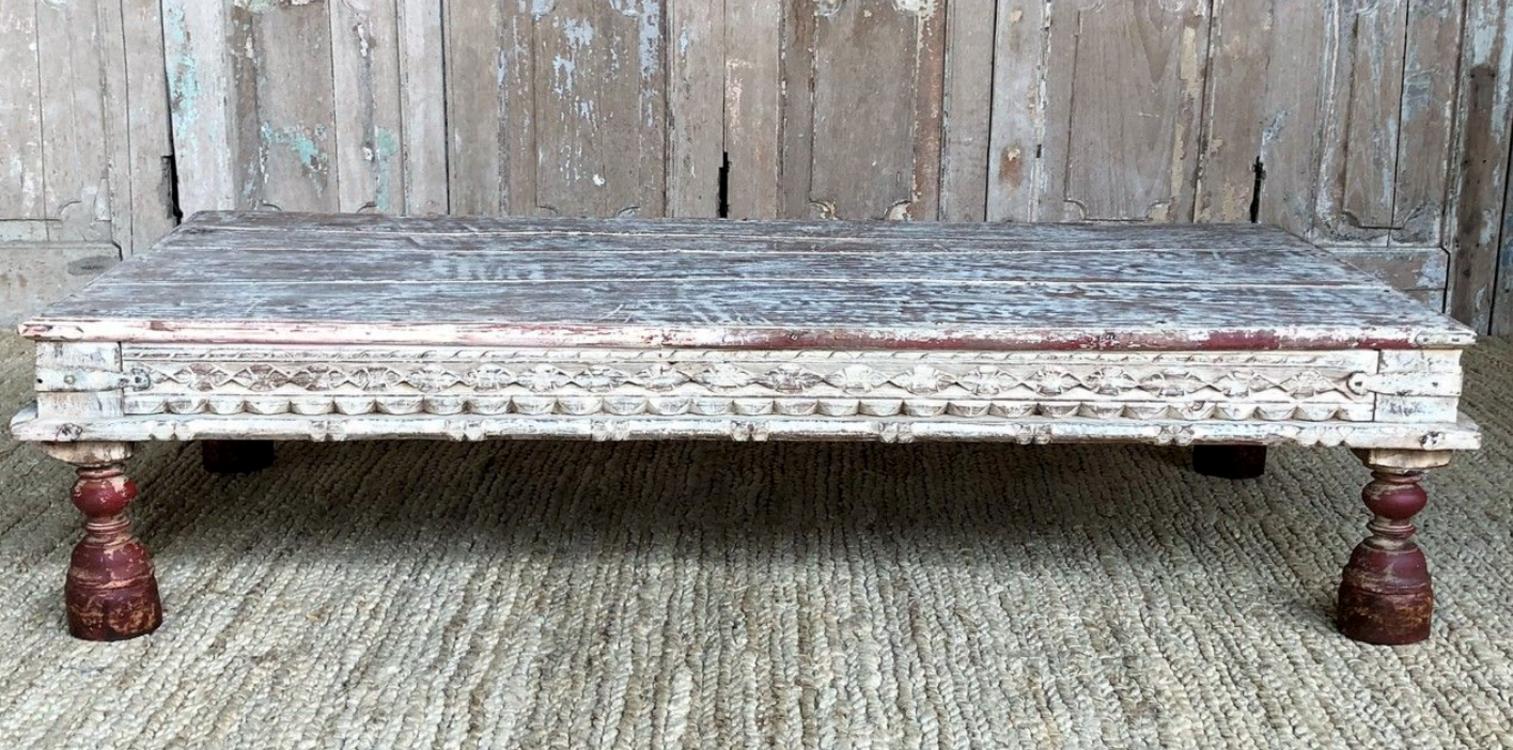 Деревянный стол, винтаж (opiumshop.co.uk)