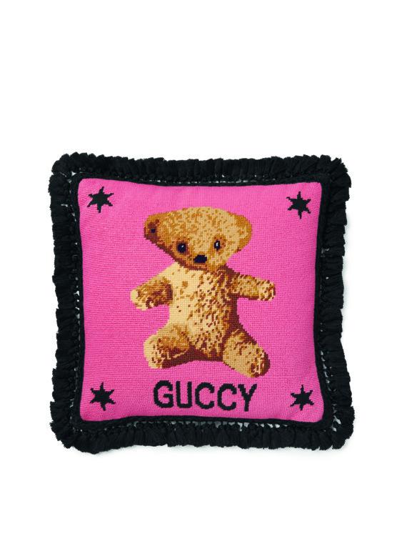Подушка из новой коллекции Gucci Décor