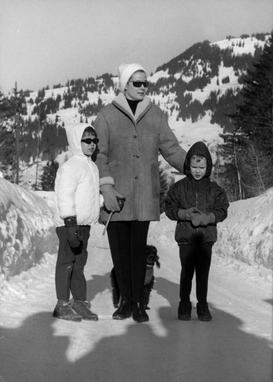 Грейс Келли, Каролина и Альберт в Швейцарии, 1963 год