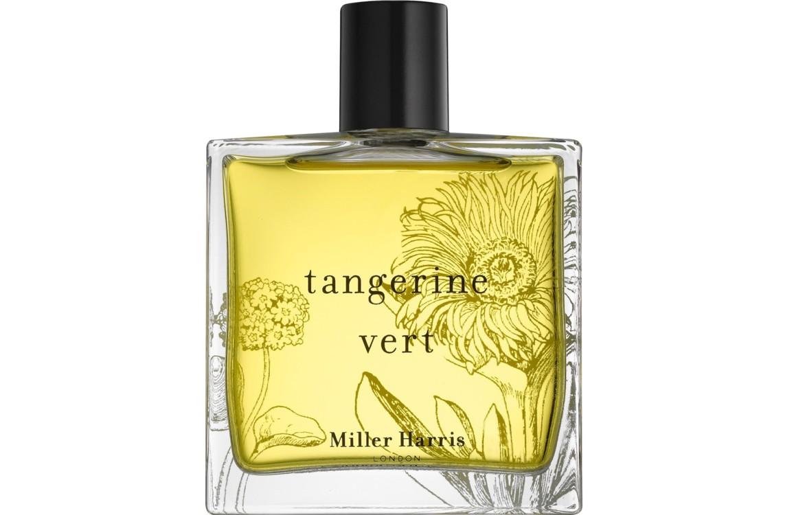 Аромат Tangerine Vert, Miller Harris вызывает детские воспоминания о спелых сочных фруктах и только что сорванной с грядки зелени. В составе: зеленый танжерин, грейпфрут и лимон, майоран, герань и цветы на мшисто-мускусной базе