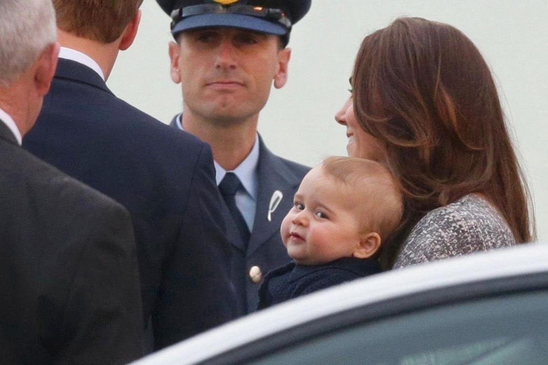 Турне герцогов Кембриджских по Австралии и Новой Зеландии в апреле 2014 года. Во время этой поездки королевская пара впервые взяла своего сына на мероприятия по выполнению официальных государственных обязанностей