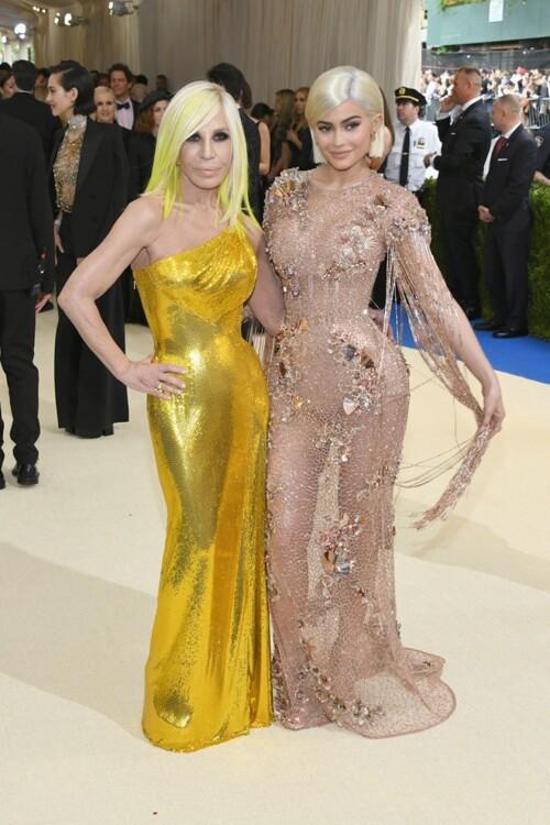 Донателла Версаче и Кайли Дженнер Versace, MET Gala 2017