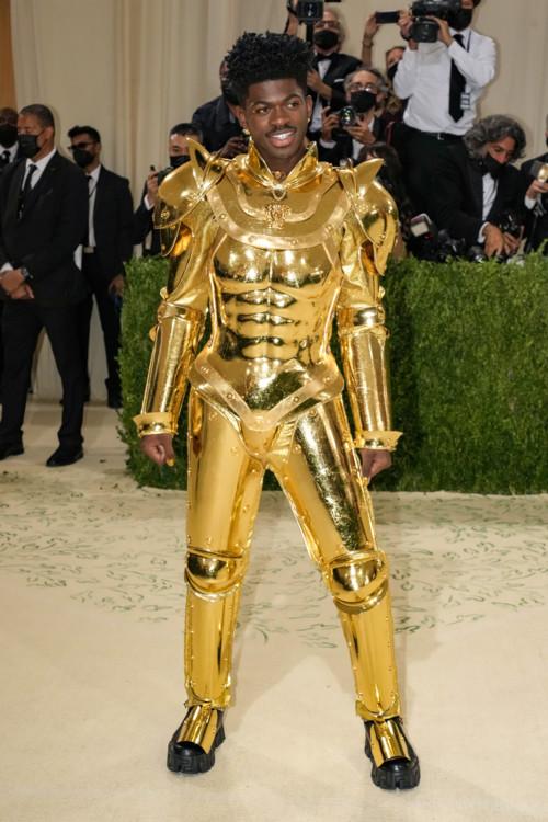 Lil Nas X в Atelier Versace