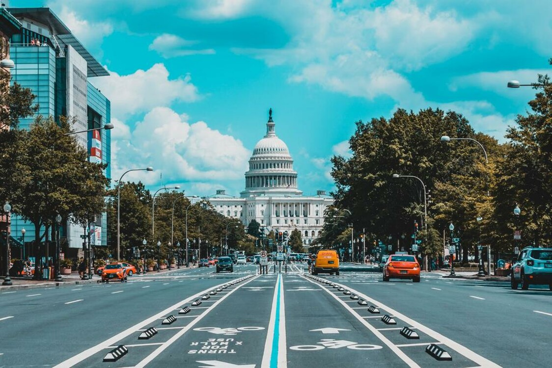2. Вашингтон, США. Photo: Jorge Alcala / Unsplash
