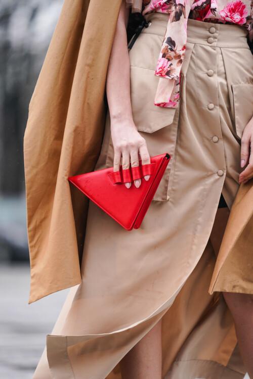 Геометрические сумки стритстайл фото осень 2020 фото