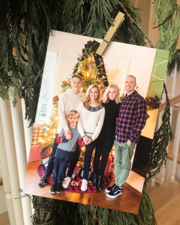 Різ Візерспун зі своєю сім'єю