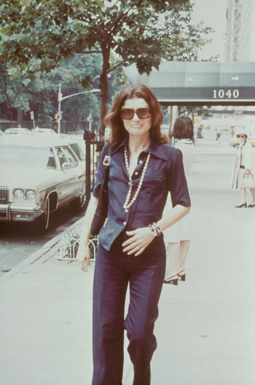 Джекі Кеннеді з сумкою Jackie, Gucci