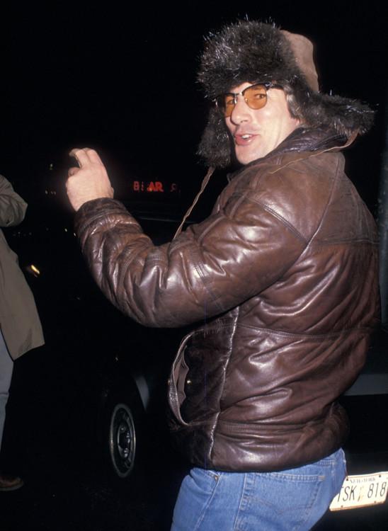 Ричард Гир возле ресторана Primola в Нью-Йорке, 1988