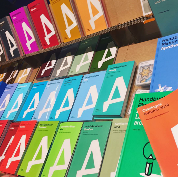 Книжная ярмарка во Франкфурте (фото: Instagram/danapavlychko)