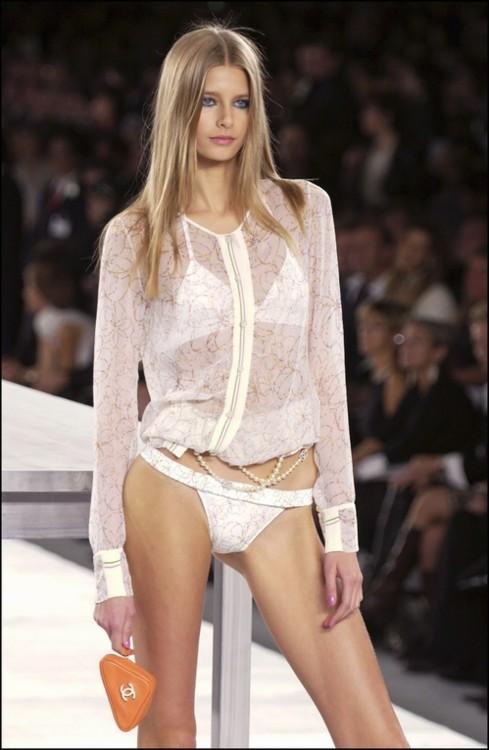 Chanel весна-лето 2004