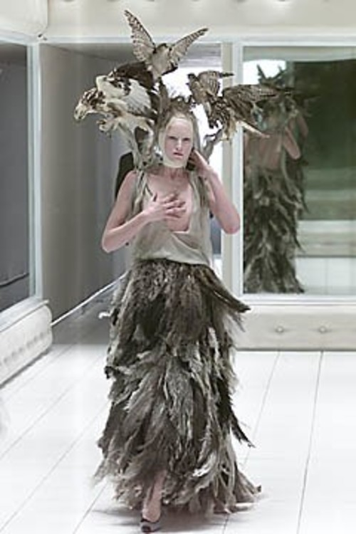 Alexander McQueen весна 2001