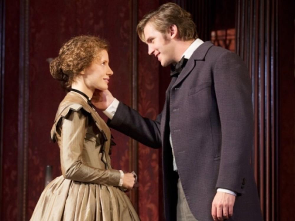 """Сцена із вистави """"Спадкоємиця"""" (Бродвей, 2012)"""