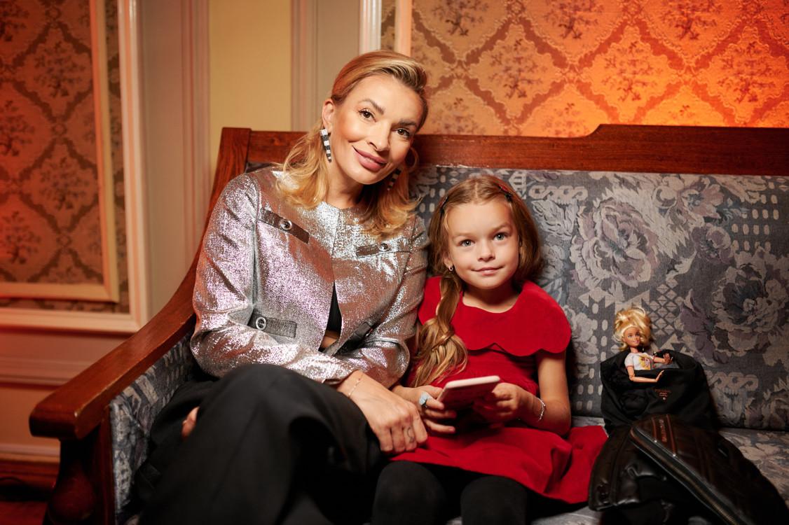 Поліна Неня з дочкою