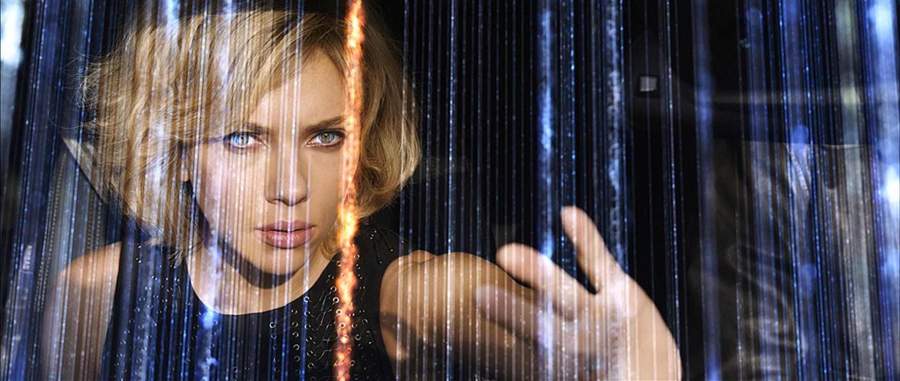Кадр з фільму «Люсі», 2014