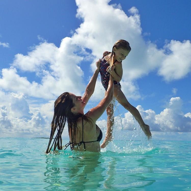Жизель Бюндхен с дочерью Вивьен (фото: Instagram @gisele)