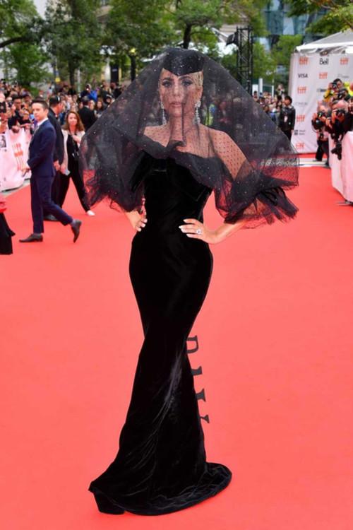 Леди Гага в Armani Privé