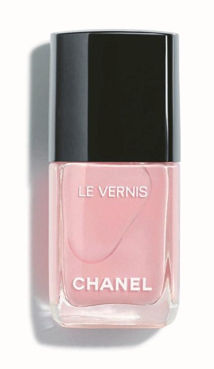 Лак для ногтей Le Vernis оттенка Nuvola Rosa, Chanel
