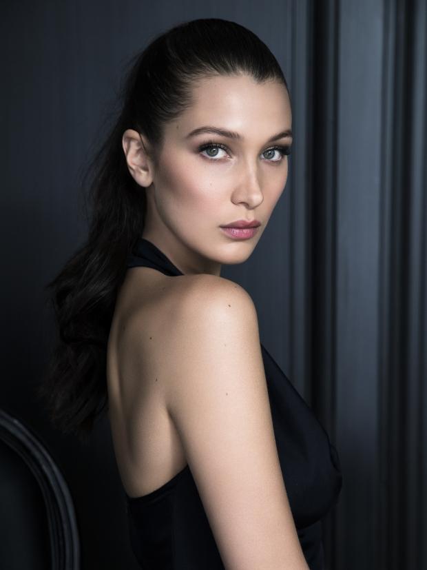 574d89167a10c - Белла Хадид стала новой посланницей косметической линии Dior.