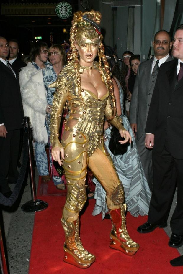 телки в кастюме богине евы