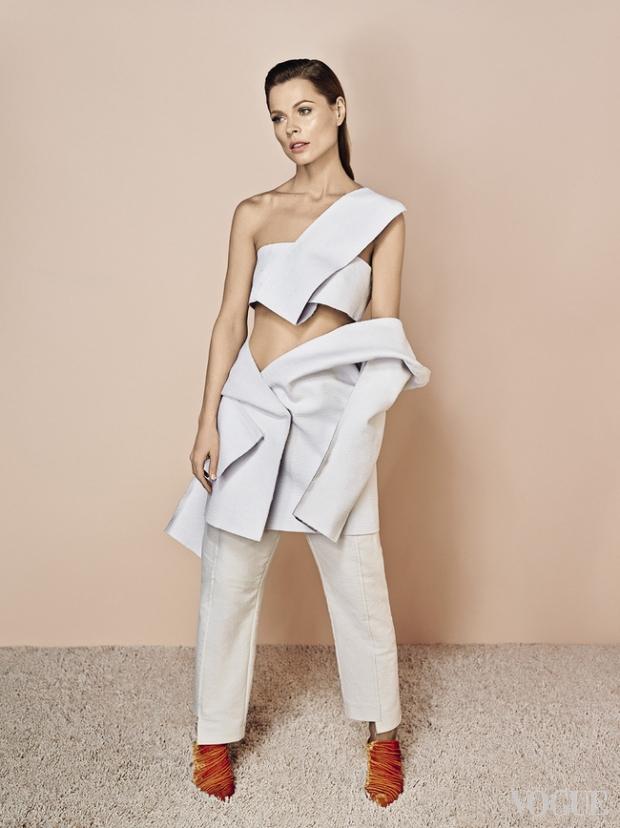Хейли Бибер выбирает оранжевый цвет этим летом | Vogue