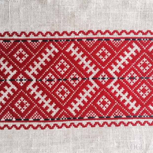 Фото вышивок красным по белому